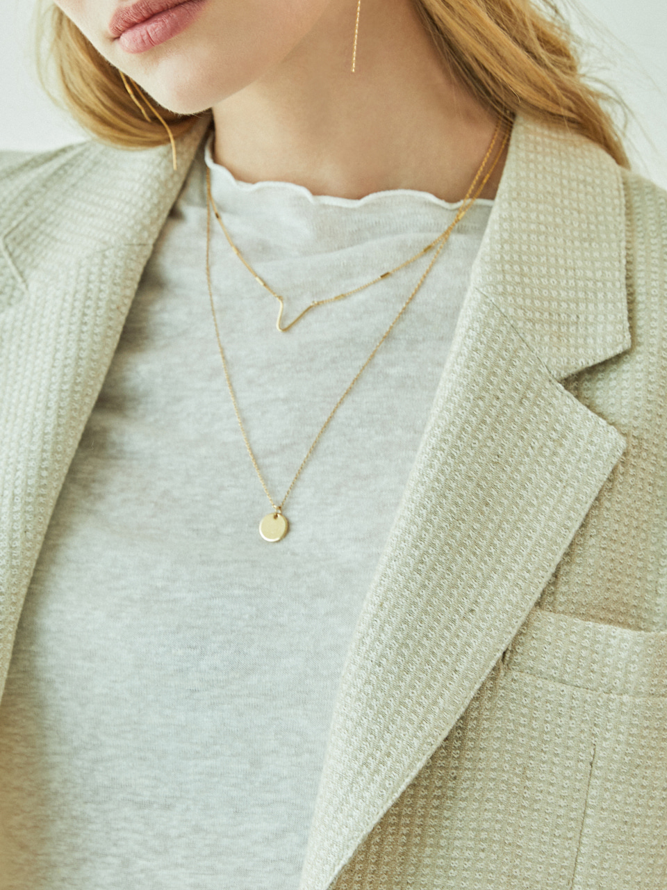 VERONICA  LAYERED NECKLACE  (GOLD)