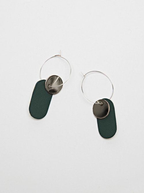 GOLDY LEATHER EARRING (Blush green)