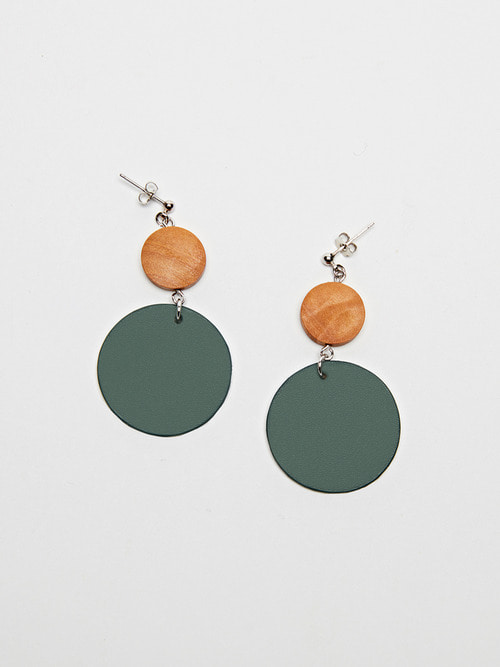 CIRCLE LEATHER EARRING (Blush green)