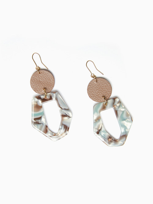 [예약배송 9/17 ~ 순차 출고]TERRAZO CIRCLE LEATHER EARRING (Mocha)