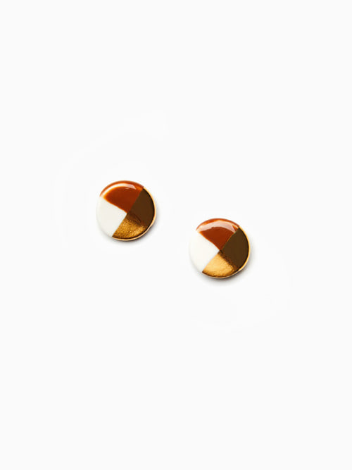 GOLD LUSTER BUTTON EARRINGS (Brown)