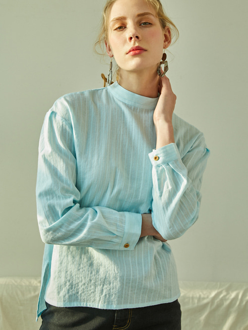 Lauren LACE BLOUSE (SOFT BLUE)