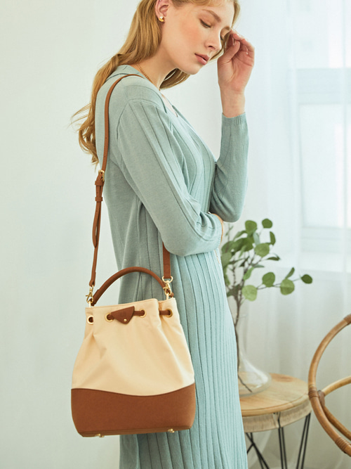 [예약배송] EVERY-DAY BUCKET BAG (Ivory)